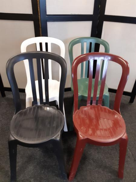 Kunstof stoelen bistro diverse kleuren